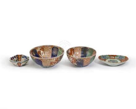 Four polychrome Imari porcelain pieces