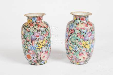 FINE QUALITY PAIR OF CHINESE PORCELAIN VASES