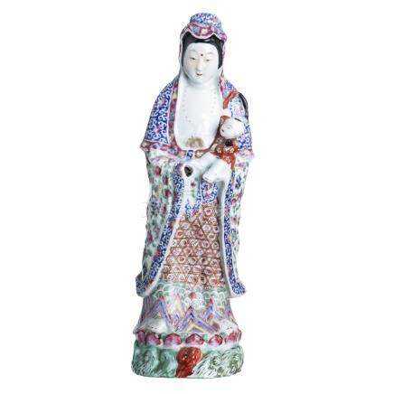 Guanyin in porcelain, Minguo