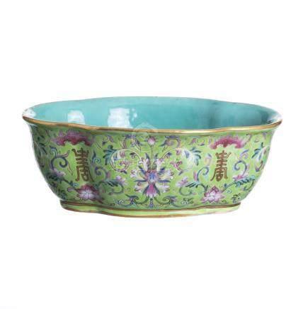 Chinese porcelain lotus bowl, Daoguang