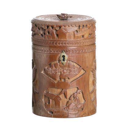 Cylindrical box in bamboo