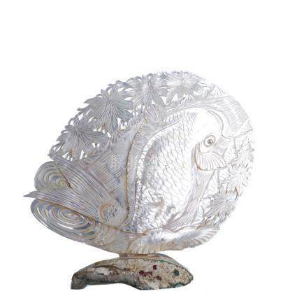 Mother-of-pearl shell crafted with base