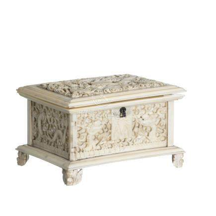 Chinese 'dragon' box in ivory