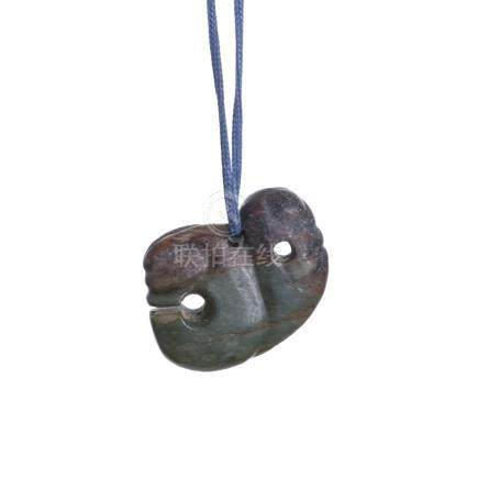 Chinese archaic jade pendant / toggle