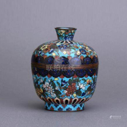 An early 20th C. cloisonne covered bowl