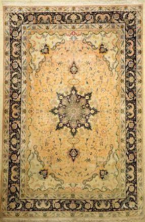 Tabriz 'Part-Silk' Carpet (50 RAJ Quality),