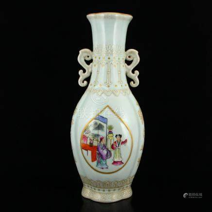 Superb Gilt Gold Famille Rose Porcelain Figures Vase