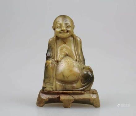 China, Buddha, feine Specksteinschnitzerei, Qing-Dynastie, H.: ca. 8,5 cm.