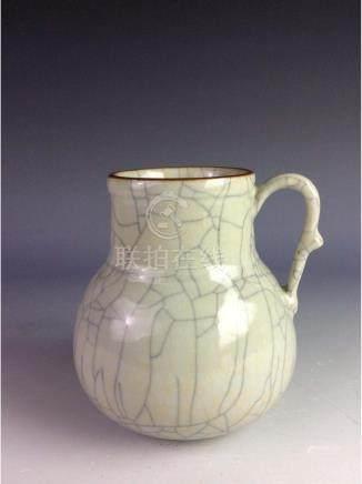 18C Vintage Qing period Chinese porcelian pot, blue &