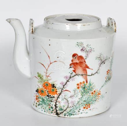 民國 粉彩花鳥茶壺