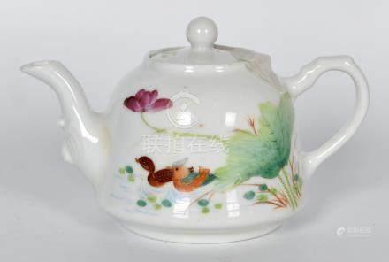 60年代 粉彩茶壺