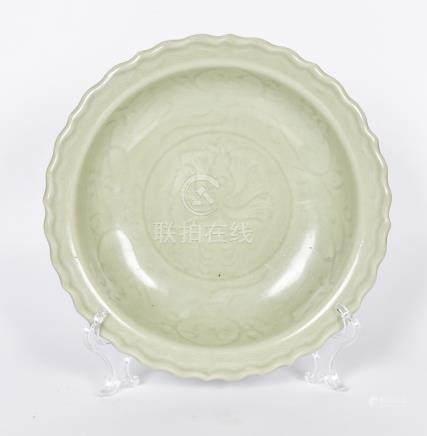 龍泉窯刻花牡丹盤