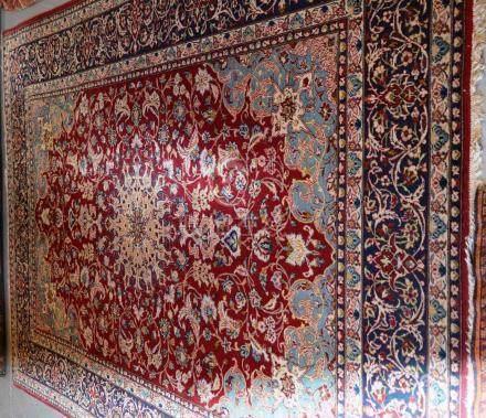 Tapis : Kashan, Iran   Dimensions : 360 cm  x  235 cm