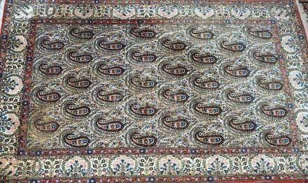 Tapis GUM, Iran   Dimensions :  206 cm  x  133 cm