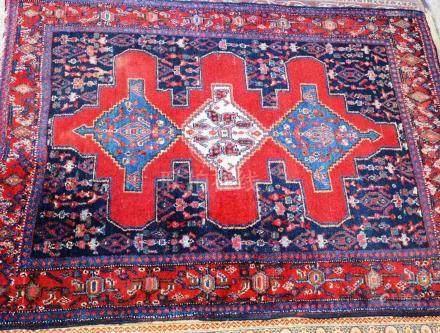 Tapis SENNEH, Iran   Dimensions :  160 cm  x  125 cm