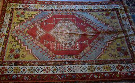 Tapie, Turquie ( Anatolie)   Dimensions :  154 cm  x  104 cm