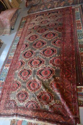 Tapis BELOUCH, Iran.    Dessin Boukara. Dimensions :  178 cm  x  400 cm