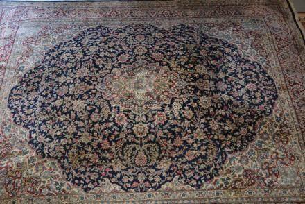 Tapis Kirman Royal , Iran   Dimensions :  310 cm  x  400 cm