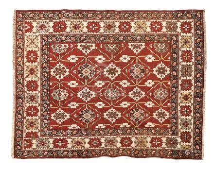 KONAGEND (Caucase), fin du 19e siècle Fond rouge brique abraché décoré par un s