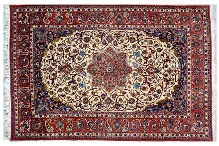 Fin ISPAHAN (Perse), milieu du 20e siècle, époque du Shah À large rosace centra