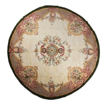 Original tapis au point de la Savonnerie, début du 20e siècle Un médaillon cent