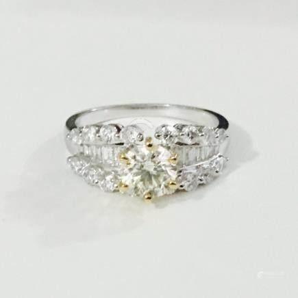 18k, 2.02 CT VS CLARITY Diamond Engagement Ring (GIA)
