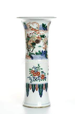 Chinese Wucai Beaker Vase