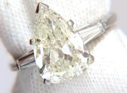 4.06CT NATURAL PEAR SHAPE DIAMOND PLATINUM RING