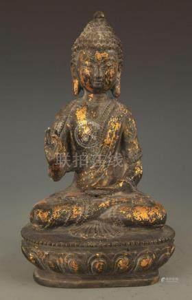 A BRONZE BUDDHA STATUE