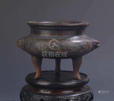 A HUA LI MU GE TYPE THREE FOOT CENSER