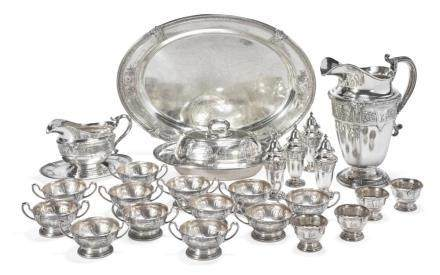 A GROUP OF AMERICAN SILVERFLORENZ PATTERN TABLE ARTICLES, G