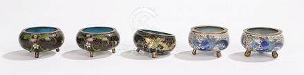 Chinese cloisonne pots, to include a pair in black ground, a