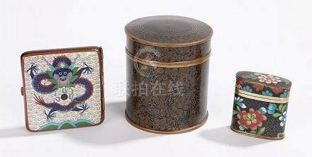Chinese cloisonne objects, to include a cigarette case, a ca