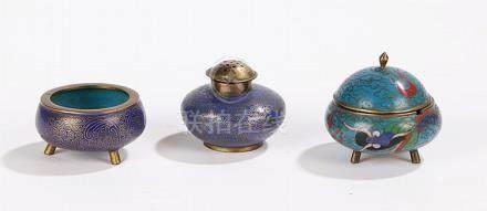 Cloisonne enamel salt and pepper pot, the dark blue grounds