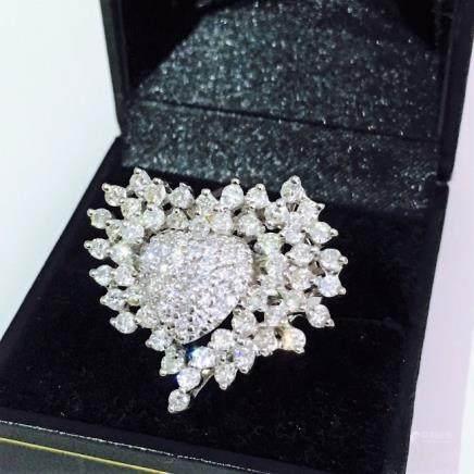 14k Gold. 4.50 carat VS - G Cocktail Diamond Ring