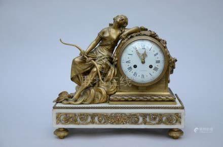 A Louis XVI clock 'Raingo FrËres ‡ Paris' (17x36x34cm)