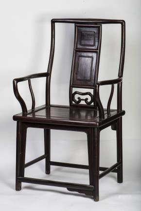 A HONGMU SOUTHERN OFFICIAL'S HAT ARMCHAIR