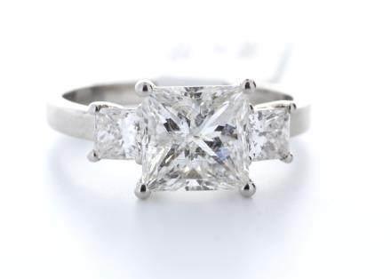 18ct White Gold Three Stone Claw Set Diamond Ring 2.62