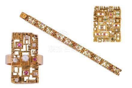 A gem-set brooch / pendant, bracelet and ring suite, circa 1970