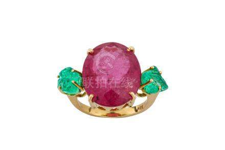 A pink tourmaline and emerald ring