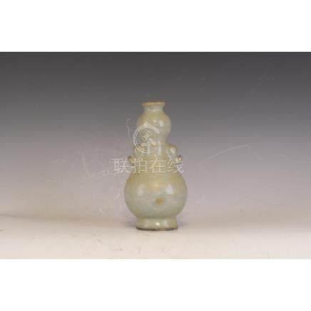 A Celedon Vase