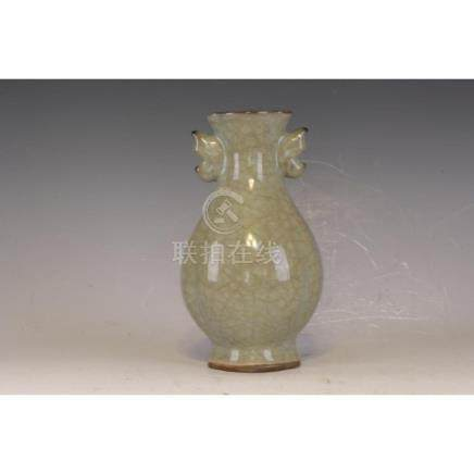 A Celedon double handle Vase