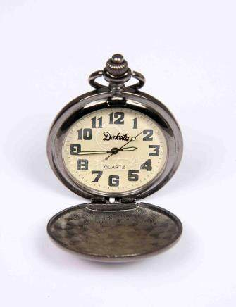 Reloj de bolsillo de la marca DAKOTA, con esfera en blanco y