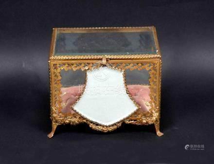 Caja joyero en cristal y dorado decorado con espejo. Interio