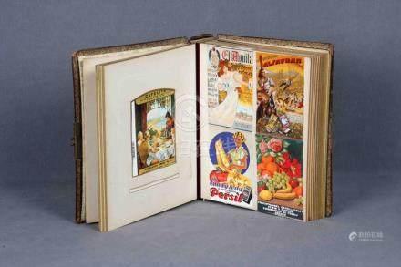 Antiguo álbum con 62 tarjetas publicitarias de productos esp