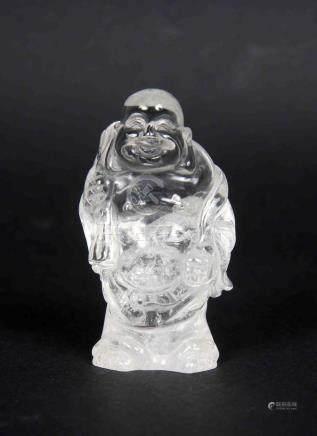 Buda chino en cristal de cuarzo. Alt.: 6,5 cm.