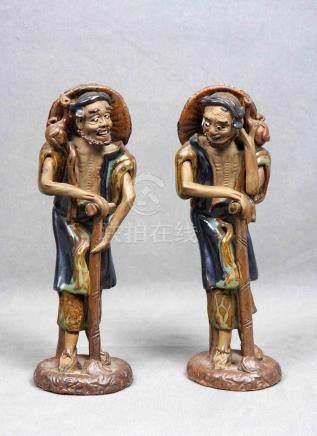 Pareja de esculturas indochinas, época 1930, en cerámica vid