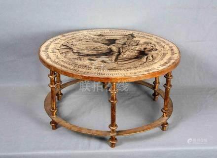 Mesa de centro circular en madera y hierro dorado. Tapa deco