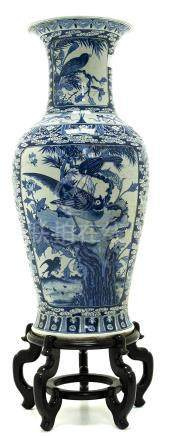 Vase with white background base, blue decorations. Japan, Early XX Century. H cm 119