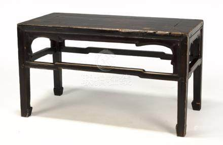 A CHINESE SOFTWOOD AND BURGUNDY LACQUERED LOW SIDE TABLE, HEBEI PROVINCE, QING DYNASTY, 19TH CENTURY